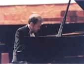 Palau de la Música, Barcelona, 1998. En el 50 Aniversario de la Academia  Santa Cecilia, directora Núria Viladrich.