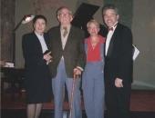 Con Xavier Montsalvatge y su esposa, Elena Pérez de Olaguer, Cecilio Tieles y su esposa, Xiomara Suárez, Capilla del Castillo  de Castelldefels, 30 abril de 1999.
