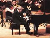 Auditori Josep Carreras. Interpretando Concierto Si bemol mayor de W. A. Mozart con la Orquesta de Cámara de Vila-seca, bajo la dirección de Fernando Marina.